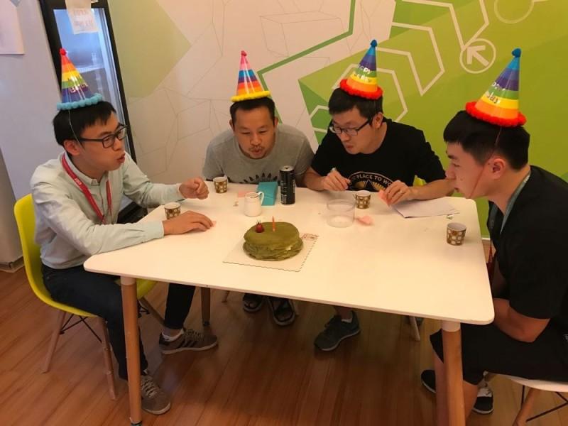 CI&T employees celebrating their birthday