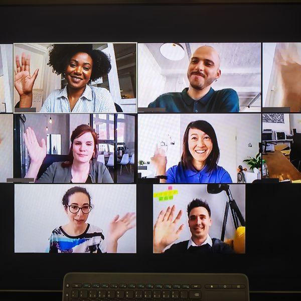 people-in-online-meeting