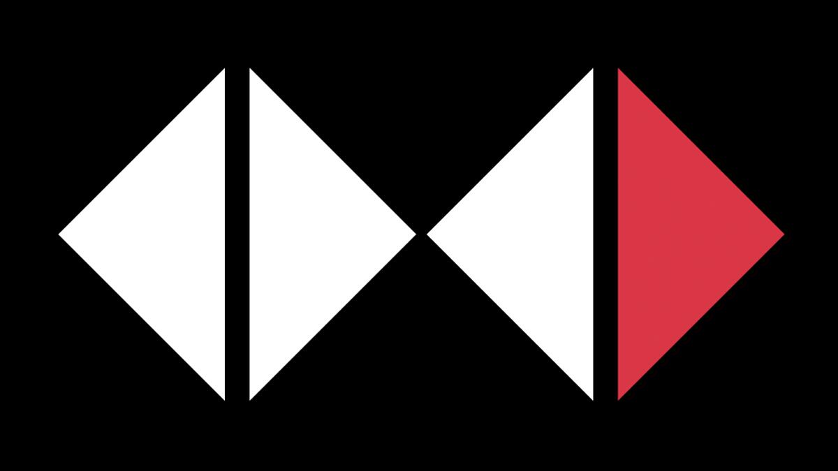 Em um fundo preto, dois losangos separados ao meio, formando três
