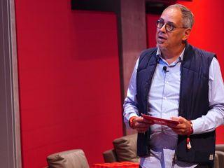 Bob Wollheim during a speech